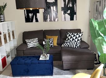 GRAY3 SEATER L SHAPED SECTIONAL GREAT CONDITION for Sale in Philadelphia,  PA