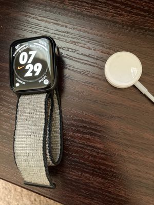 Apple Watch Series 5 Nike for Sale in Temecula, CA