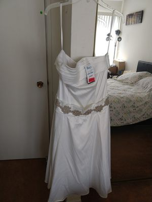 Beautiful white dress for Sale in Imperial Beach, CA