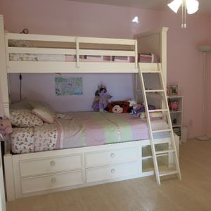 Bunk Bed w/twin & full for Sale in Escondido, CA