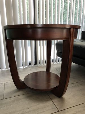 Dark Wood End Table for Sale in San Diego, CA