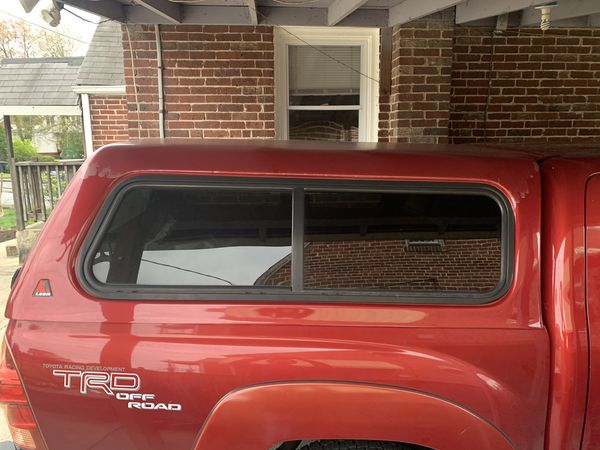 Toyota Tacoma LEER CAMPER SHELL