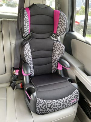 High back booster seat for Sale in Levittown, NY