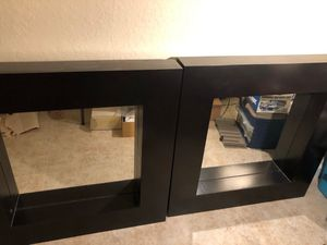 """2 Accent Light Wall Mirror 24"""" H x 24"""" W : WT 60 lbs for Sale in Homestead, FL"""
