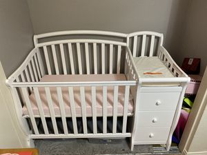 Dream on me mini crib GREAT CONDITION for Sale in Moreno Valley, CA