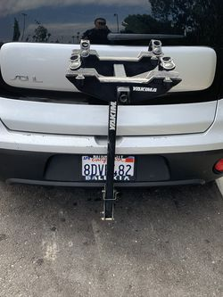 Yakima 2 Bike Rack For 1 1/4 Inch Square Trailer Hitch for Sale in San Diego,  CA