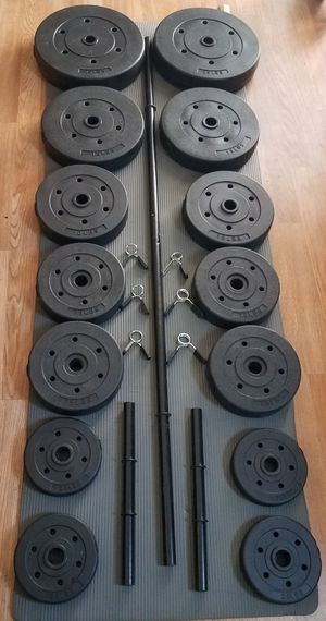 5 foot standard barbell 2 piece 2x adjustable dumbbell handles and 140lbs standard weight set for Sale in Montebello, CA