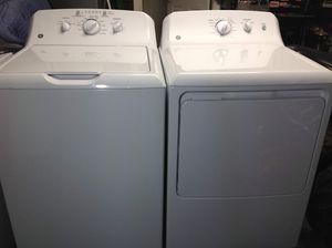 Matching 2019 Model GE Washer and Dryer Set (MINT/LIKE NEW) for Sale in Lewisville, TX