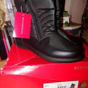 New Snow Boots Size 6 1/2 for Sale in Hacienda Heights, CA
