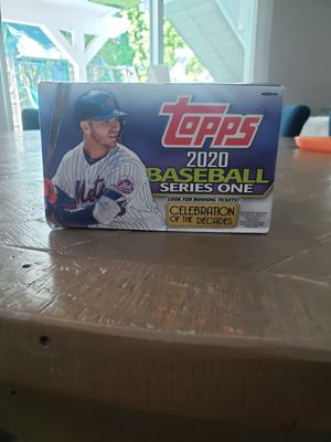 2020 Topps Series 1 - 200 Card Lot included Rookies and Refractors for Sale in Hidden Hills, CA