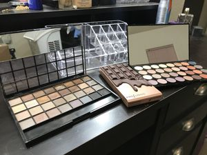 Makeup. Perfect for beginners! for Sale in Las Vegas, NV