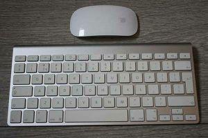 Apple Aluminium Slim Keyboard-Apple Wireless Magic Mouse, Set-$80.. firm on price for Sale in Rosemead, CA