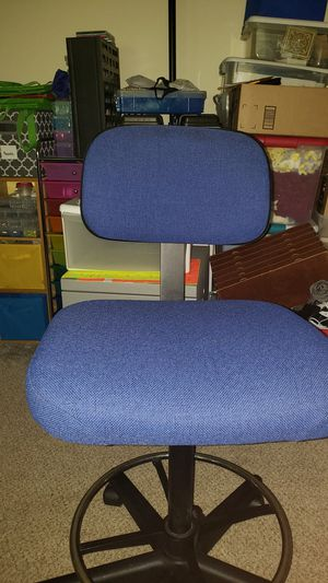 Blue office chair for Sale in Brentwood, NC