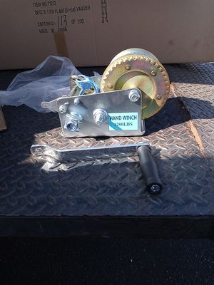 Hand winch 3200 lbs for Sale in Bell Gardens, CA