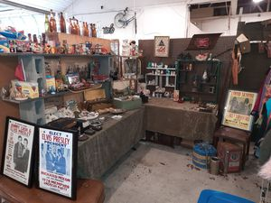 ANTIQUE TOYS,FISHING LURES,CONCERT POSTERS, WWII MEMORABILIA, VINTAGE BEER SIGNS, TOBACCIANA, MAN CAVE GUYTIQUES the Bremerton Vintage Flea Market. for Sale in Edgewood, WA