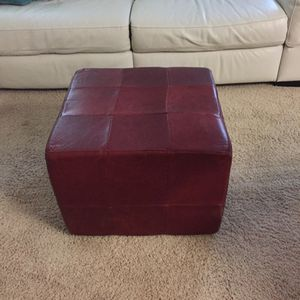 Burgundy real leather ottoman 22x22 for Sale in Columbus, OH