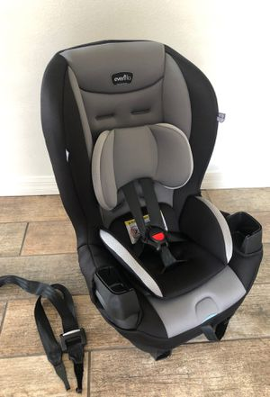 Evenflo Car Seat w/ double cup holder for Sale in Kissimmee, FL