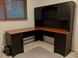 Corner desk with hutch for Sale in Evergreen, CO
