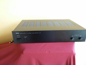 Yamaha amplifier.. 2/4 channel amp..m35..bear mint..sounds awesome!! for Sale in Miami, FL
