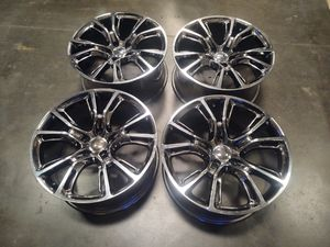 Jeep Srt8 Wheels Used Used Used No Really Good Condición for Sale in Montclair, CA