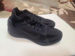 Women's Nike Running Shoe Size 9.5 for Sale in Howell Township, NJ