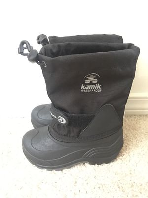 Kids Snow boots size 9 Kamik for Sale in Renton, WA