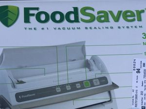 FoodSaver automatic vacuum sealing for Sale in Everett, MA