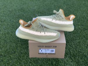 """Yezzy adidas """"marsh"""" size 9 brand new with receipt for Sale in Los Angeles, CA"""