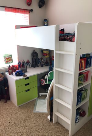Kids twin loft bed with desk and closet $400 for Sale in Aurora, CO