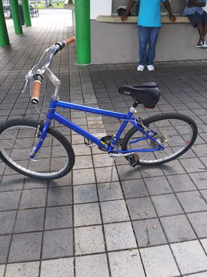 Large jamis brand new tires n tubes seat and handle g rips back brakes need adjusting for Sale in Fort Lauderdale, FL