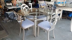 Kitchen table and chairs for Sale in Gilbert, AZ
