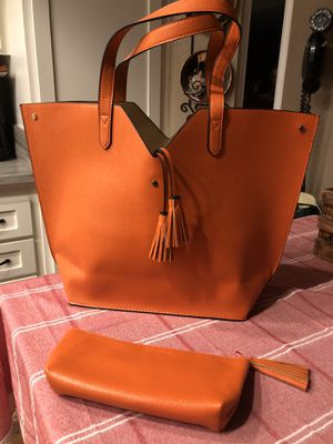 """New neiman marcus tote bag with tassel with matching small bag, never used, 18""""wide ,corona pick up for Sale in Corona, CA"""