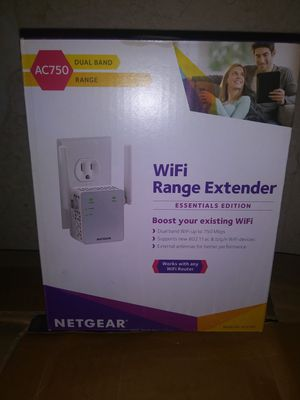 Netgear Wi-Fi extender ex3700/ac750 for Sale in New Berlin, IL