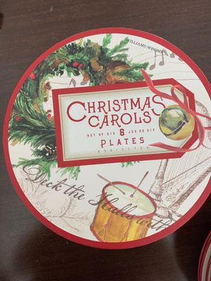 William-Sonoma Christmas Carol plates- set of six in storage box for Sale in Virginia Beach, VA