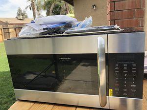 Frigidaire microwave oven for Sale in Dinuba, CA