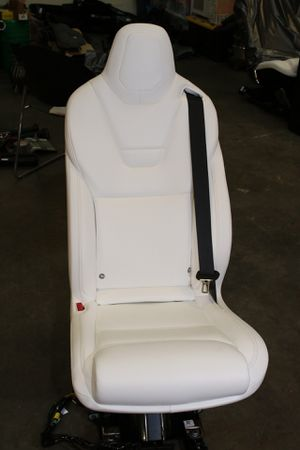 Tesla Model X - 2nd Row Seat for Sale in Sunnyvale, CA