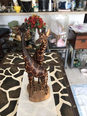 Hand crafted giraffe for Sale in Oakland Park, FL