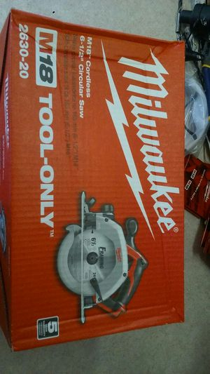 Milwaukee 18v cordless lithium circular trim saw for Sale in Owensville, MO