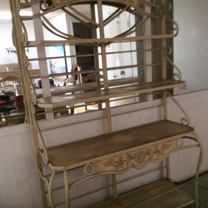 Antique white Bakers rack 4 shelves for Sale in Laguna Woods, CA