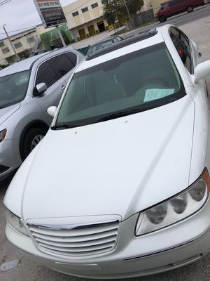 2006 Hyundai Azera Only $500 Down Runs and Great ice cold ac for Sale in Orlando, FL