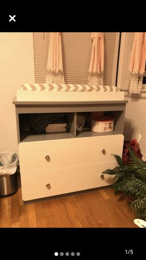 Diaper changing table with pad and cover for Sale in Queens, NY