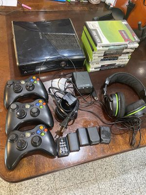 Xbox 360 console (no power cord) games controller wireless headset for Sale in Irving, TX