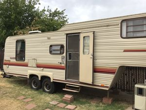 Fith Wheel Ready To Use! Trade 4 newer motorhome rv cab over camper trailer home for Sale in Rancho Cordova, CA