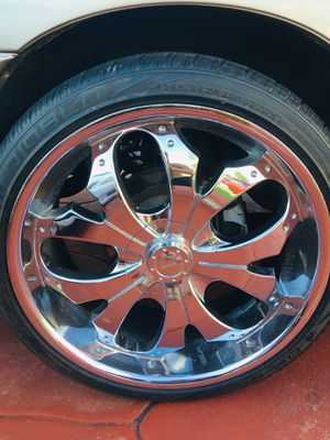 22 inch chrome rims and tires for Sale in Miami, FL