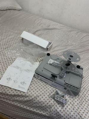 Mountaing para projector nuevo universal for Sale in Anaheim, CA