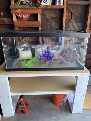 40 gallon fish tank tank and more for Sale in Los Angeles, CA