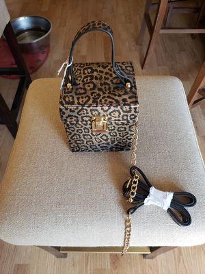 Leopard print box purse for Sale in Sierra Vista, AZ