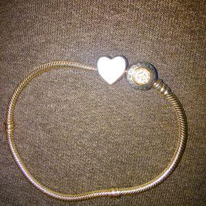 Parndora bracelet . for Sale in Cleveland, OH