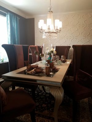Dining Table with 6 velvet highback chairs for Sale in Tampa, FL
