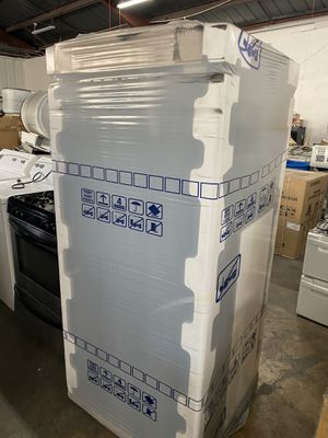 Frigidaire refrigerator brand new for Sale in San Diego, CA